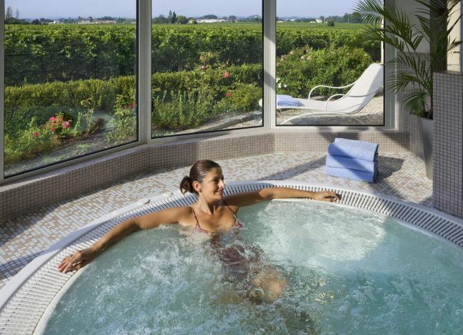 SPA St Emilion - Jacuzzi - Hotel Grand Barrail