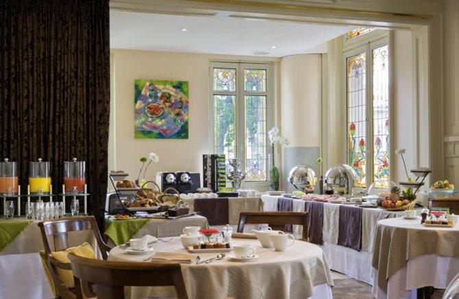 Salle de PDJ - Hotel Grand Barrail