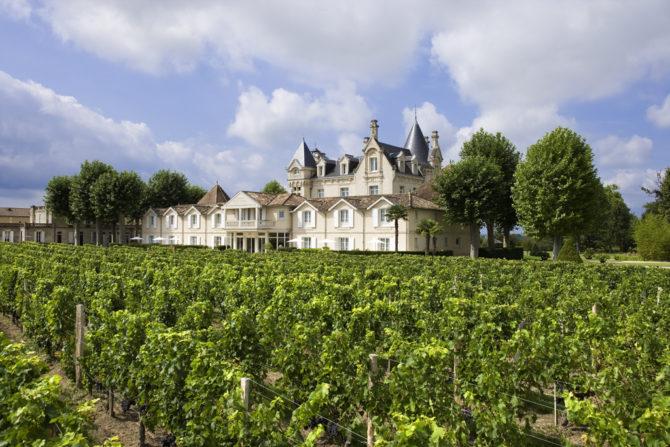 Vue Château côté Vigne Hotel Grand Barrail